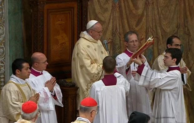 Igreja corre risco de se tornar uma 'ONG piedosa', diz Papa Francisco