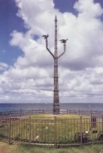 Opo Baba N'lawa, replica da escultura de Mestre Didi no Rio Vermelho Foto: M.A.Luz