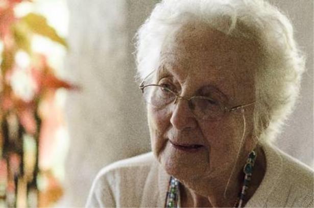 Candomblé à francesa: Gisele Cossard, a mãe de santo Omindarewá, abandonou tudo para viver para a religião