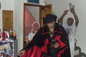 Ivan T´Osogiyan celebra Exú Tranca-Rua das Almas em Pilares