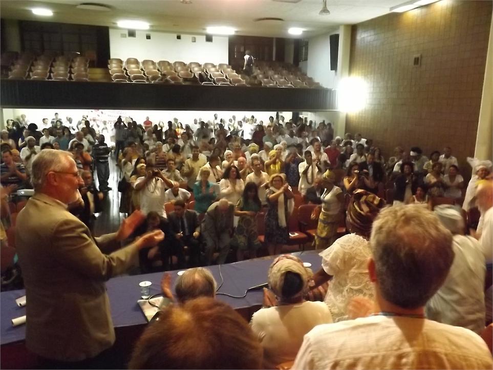 Líderes religiosos discursam na ABI Foto: CEAP