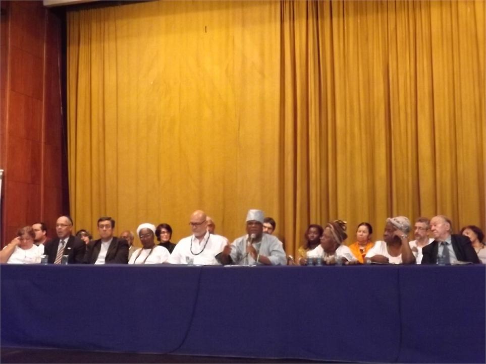 Solenidade na ABI - líderes religiosos apoiam Umbanda e Candomblé Foto: CEAP