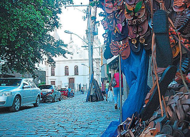 Durante a revitalização, comerciantes de couro vão para outro local. Foto: Amanda Dultra