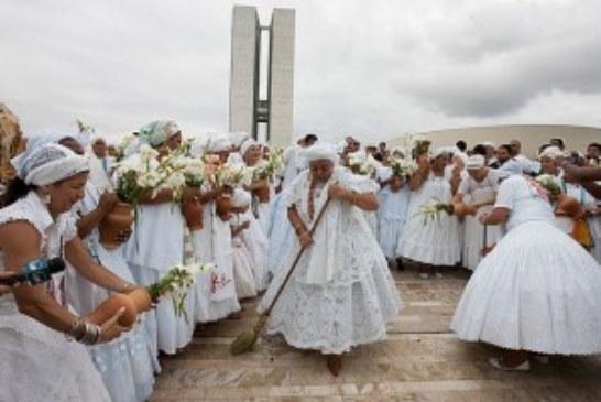Evangélicos perseguem seguidores de religiões afro?