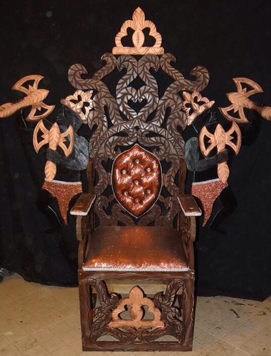 trono 12