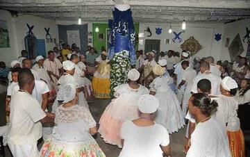 GOV/BAHIA A umbanda incorpora o candomblé, o catolicismo, o espiritismo, cultos indígenas e caipiras