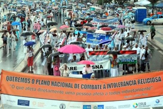 Caminhada Religiosa reúne cerca de mil pessoas em Copacabana