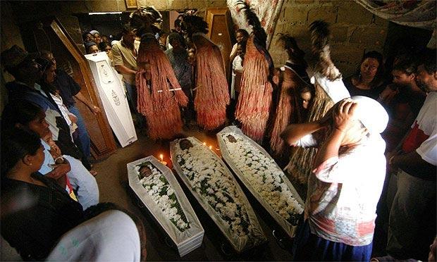 Entre os pancararus, no Sertão pernambucano, o ritual de sepultamento tem a participação de entidades espirituais chamadas de encantadosFoto: Rodrigo Lôbo/Acervo JC Imagem