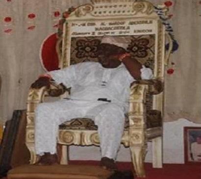 Monarca Obaulufon Magbagbeolá - Oba Al-Moruf Adekunle Magbagbeolá Olumoyero, de Ifon, cidade do Estado de Oxun, Nigéria.