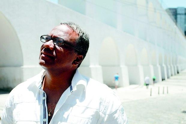 http://odia.ig.com.br/noticia/rio-de-janeiro/2014-12-06/nova-literatura-afro-brasileira-reconta-parte-da-historia-e-tem-rio-como-reduto.html