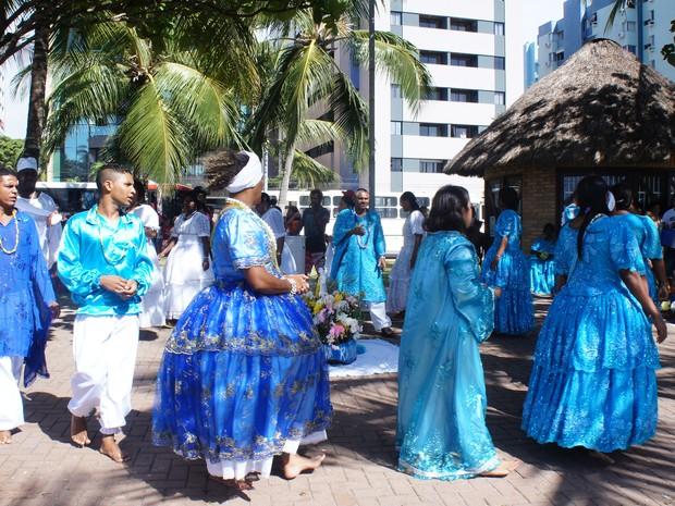 Festejos de grupos de matriz africana prosseguem até o fim do dia (Foto: Naftali de Oliveira/G1)