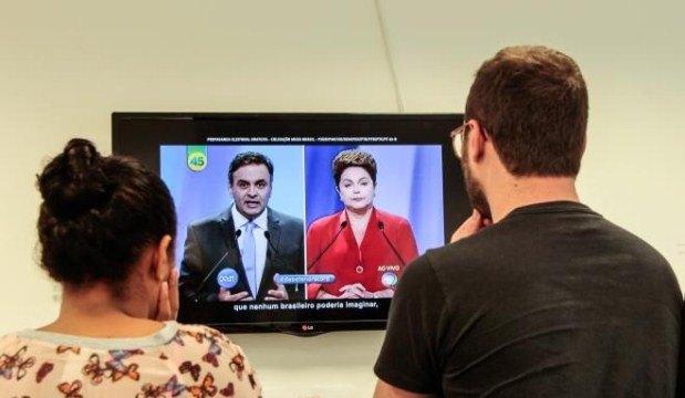A política de 2014 ficou marcada pela divisão do país entre Dilma Rousseff e Aécio Neves nas eleições presidenciais