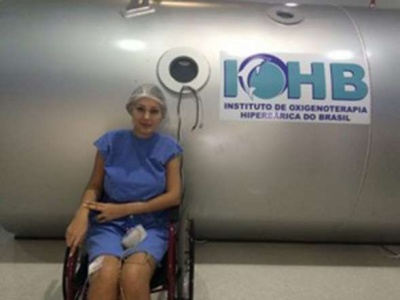 Andressa Urach revelou que esteve muito perto da morte durante os 25 dias que passou internada no Hospital Nossa Senhora da Conceição, em Porto Alegre, no fim de 2014, após sofrer complicações causadas pela aplicação de hidrogel nas pernas.