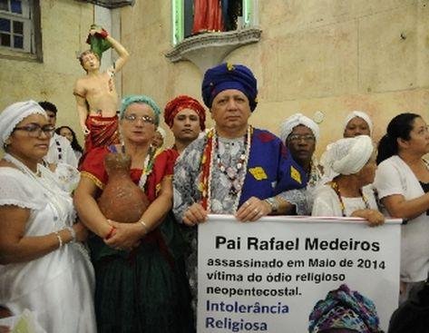 Preconceito e a intolerância religiosa causou a morte do pai de santo Rafael Medeiros em maio de 2014. Ele foi morto a facadas ao tentar apartar uma briga sobre questões religiosas de duas vizinhas (Antonio Lima)