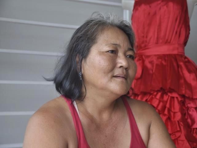 """Seguidora do Candomblé, Luzia Ogawa tem a difícil missão de agradar """"espíritos mais iluminados"""". (Foto: Marcelo Calazans)"""
