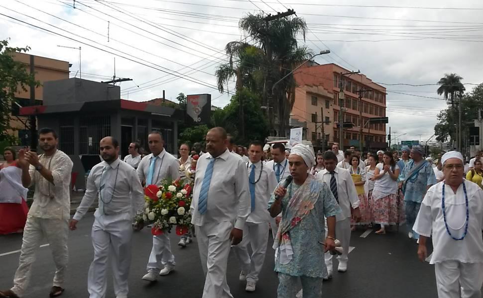 Após liberação da polícia, o grupo continuou a caminhada