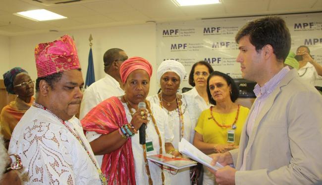 Divulgação l Ascom  Líderes entregaram documento ao procurador-chefe do MPF-BA, Pablo Barreto
