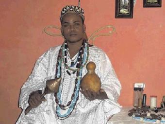 Reprodução Pai Aroeira jogou os búzios e viu os caminhos de Bahia e Vitória na Série B