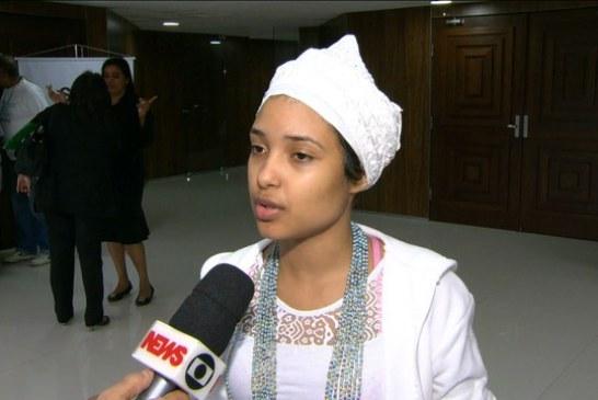 Apedrejada no Rio pede a ministro campanha por liberdade religiosa