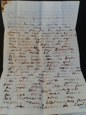 Carta que teria sido escrita com sangue do rapaz foi apreendida (Foto: Thalles Bruno/ EPTV)