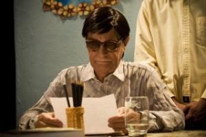 Nelson Xavier como Chico Xavier no cinema (Foto: Reprodução)