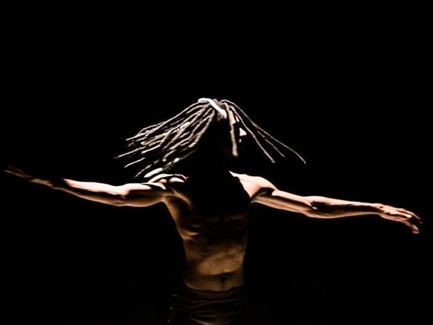 Peça foi montada a partir de elementos da espiritualidade afro-brasileira (Foto: Paulo Pretz / Divulgação)