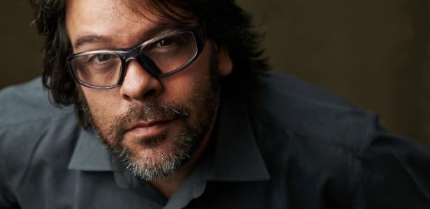 """Leo Neves/Divulgação O escritor e publicitário P.J. Pereira, autor da trilogia """"Deuses de Dois Mundos"""""""