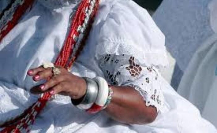 Salvador volta a produzir bordados das roupas usadas no candomblé