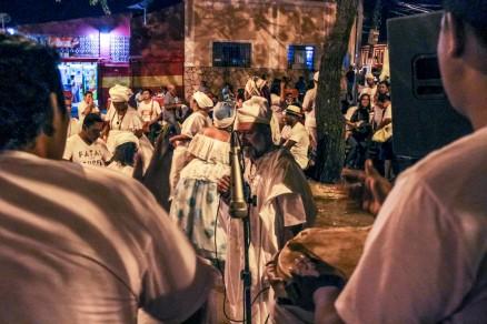 Encontro sobre intolerância religiosa, na Praça da Mandioca, contou somente com integrantes de religiões africanas
