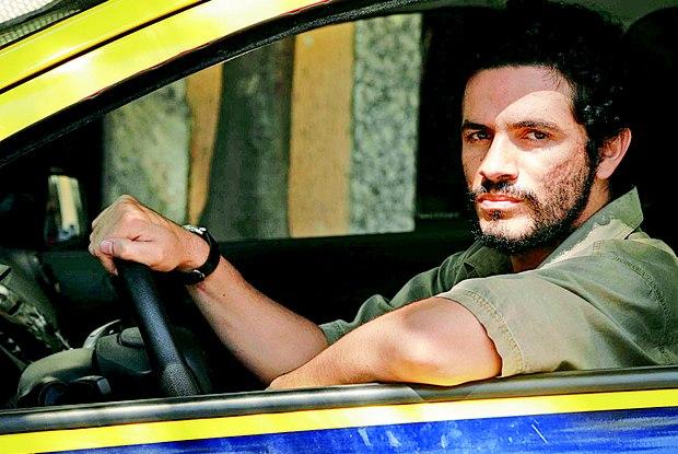 Vinícius de Oliveira como o taxista João da Cruz Foto:Divulgação