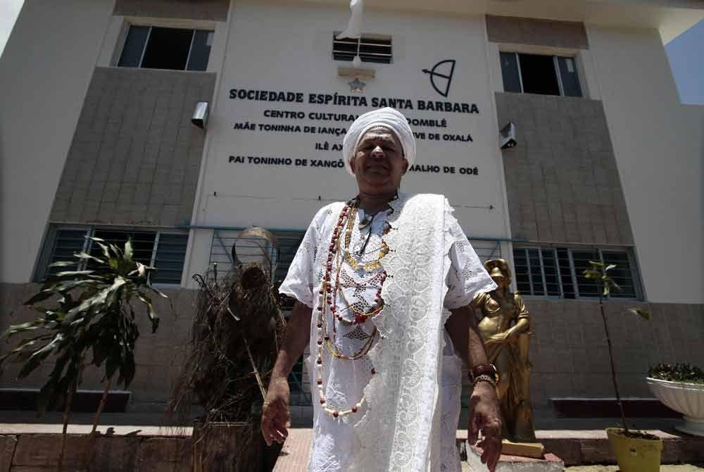 Reforma foi promovida por Pai Toninho de Xangô Foto: Guga Matos/JC Imagem