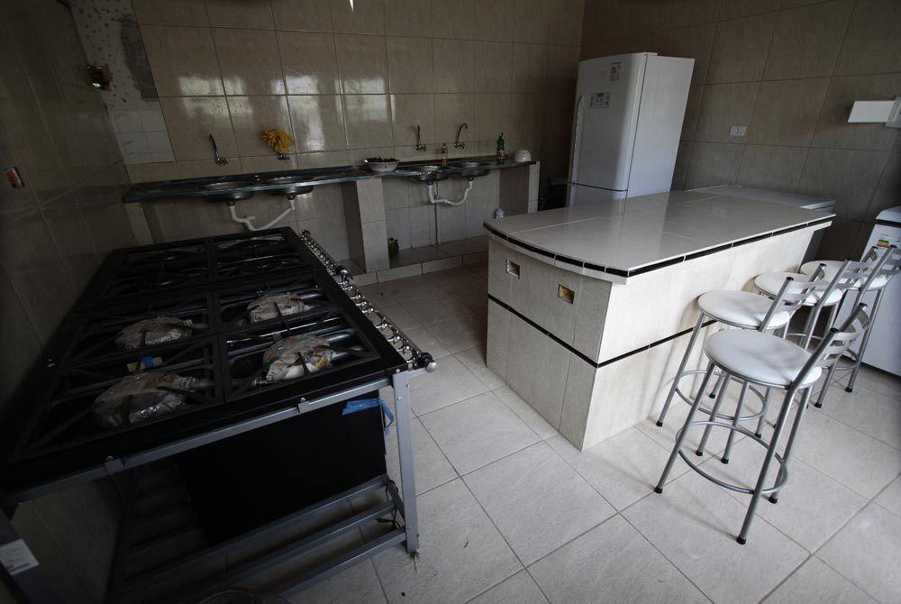 Entre os serviços, estão curso de culinária e de corte e custura Foto: Guga Matos/JC Imagem