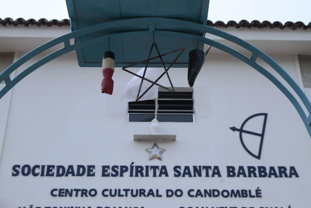A casa estava em péssimas condições após a morte de Dona Toinha, a dona Foto: Guga Matos/JC Imagem