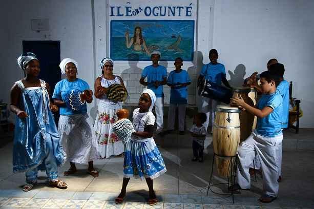 Desde muito pequena, mesmo sem saber, Letícia começou a quebrar um ciclo de opressão vivido por outros familiares e seguidores da religião de origem africana. Foto: Paulo Paiva/DA/DP Press
