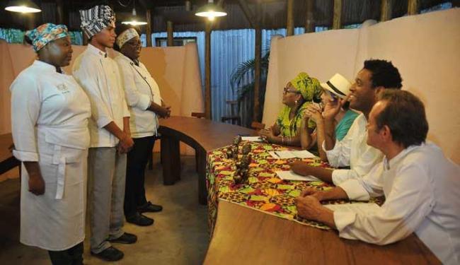Marco Aurélio Martins | Ag. A TARDE Aprendizes da tradição em dia de preparo e apresentação de pratos para chefs
