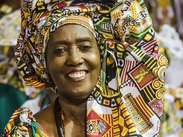 Dete Lima trabalha com turbantes há mais de 40 anos. (Foto: André Frutuoso/ Divulgação Ilê Ayiê)