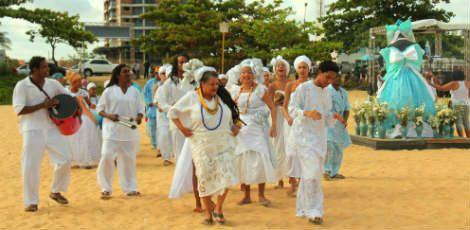 Festa em homenagem a Iemanjá aconteceu até as 23h dessa terça, em Barra de Jangada Foto: Ivson Lira/divulgação