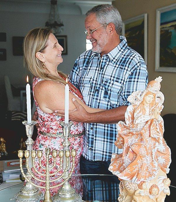Os arquitetos Lea Ester e Luiz Roberto: casados há 38 anos, ela é judia, ele católico e ogã de candomblé