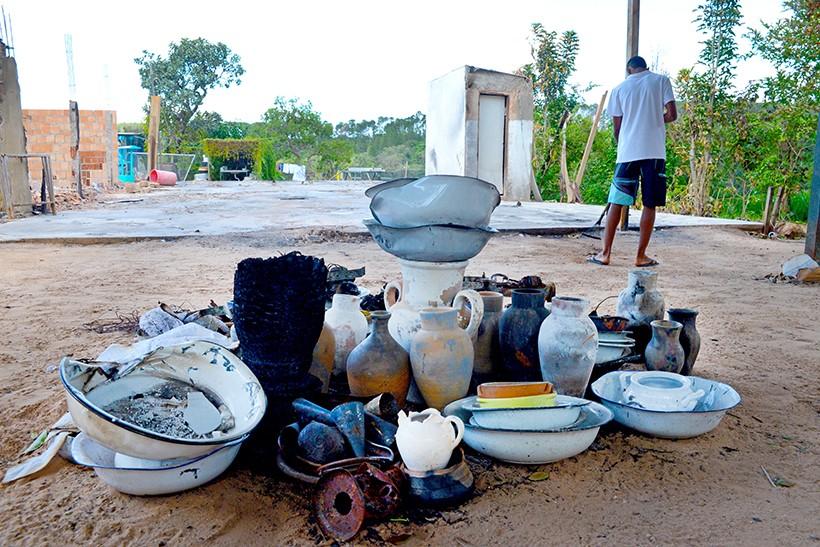 Pouca coisa restou depois do incêndio na Casa da Mãe Baiana, no ParanoáSheyla Leal/ObritoNews/Fato Online