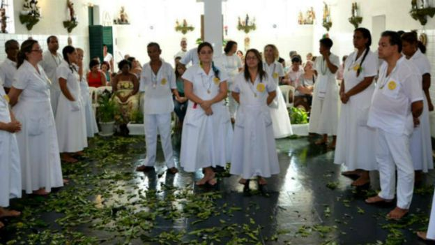 Adeptos praticam religião no Terreiro Templo do Oriente, na Zona norte do Rio; muitos já sofreram discriminação, diz líder Luiz Fernando Barros