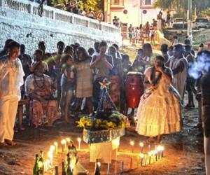 Celebração aconteceu na noite dessa quarta-feira (30)  (Foto: Diário Corumbaense)