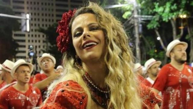 Viviane Araújo com fantasia de Maria Padilha, no ensaio do Salgueiro Foto: Roberto Moreyra