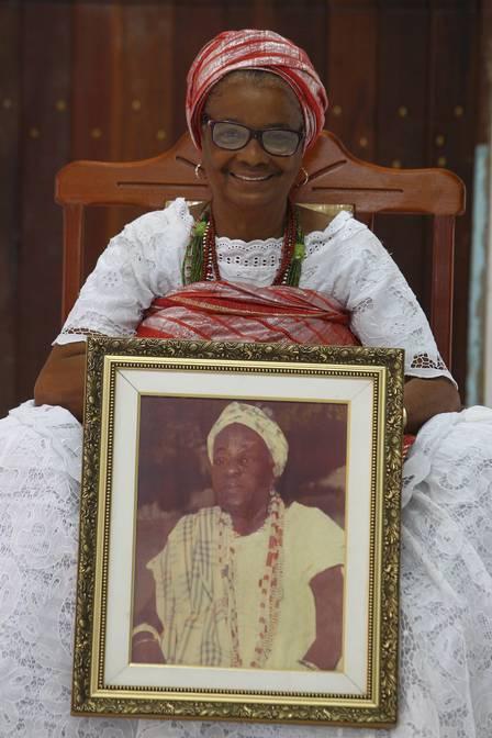 Mãe Regina pertence a quarta geração descendente de Mãe Aninha de Xangô Foto: Cléber Júnior / Agência O Globo