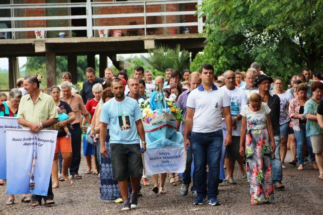 Foto: Rui Borgmann / AI PrefeituraProcissão pelas ruas de Mariante marcou homenagens à padroeira da comunidade, no domingo, 31
