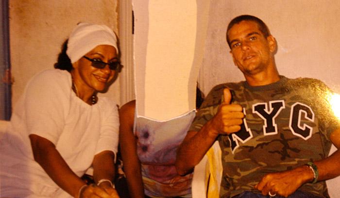 Vizinha diz que Salomé era mãe de santo do ex-BBB Adriano (Foto: Mila Cordeiro l Ag. A TARDE)