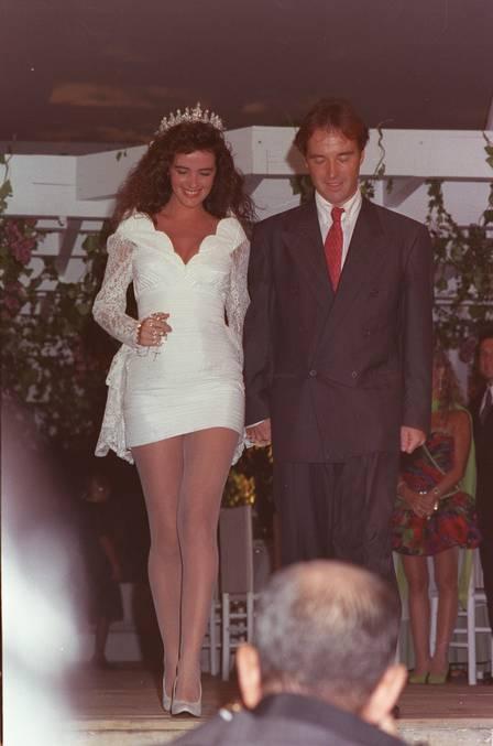 Casamento de Luma de Oliveira com Eike Batista em 91: a força vem dela Foto: Leonardo Aversa