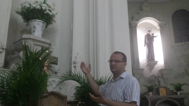 Padre Renato Gentile, da Catedral de Caxias, fará encontro para discutir a intolerância religiosa Foto: Clarissa Monteagudo