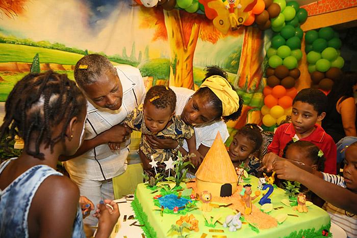O pequeno João festejou os 2 anos com o tema Kirikou (Foto:Mateus Pereira/ Divulgação)