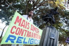 Religiões de matriz africana fazem ato contra intolerância