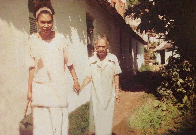 Equede Sinha e sua mãe, Vovó Conceição. Acervo Terreiro da Casa Branca.
